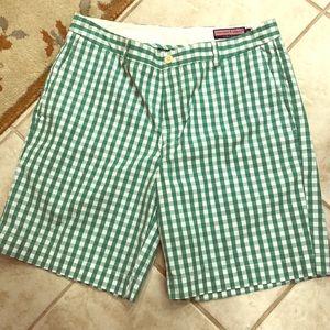 Vineyard Vines MENS shorts, size 36 EUC